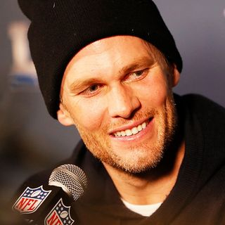'Reporters' Keep Tom Brady, Bill Belichick Guessing