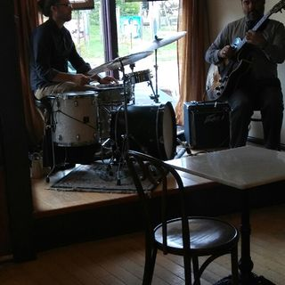 The Quest Live: The Neil Davis & Andy Miller Duo.