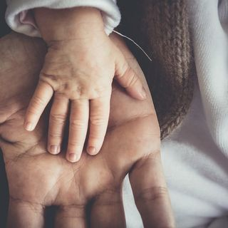 Il massaggio ayurveda per i bambini: ne parliamo con la dott.ssa Carla Valeri