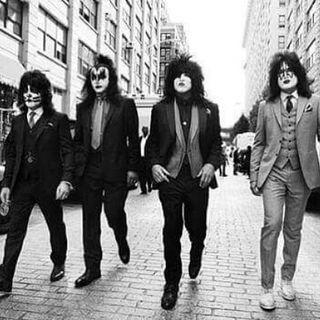Classicos do Rock Podcast #0346 #StoneTemplePilots #TheFaces #RodStewart #U2 #Kiss #GnFnR #StrangerThings #TWD #WalkingDead