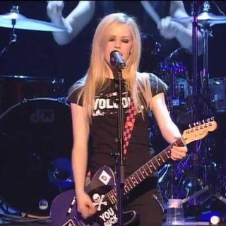 Avril Lavigne farà un concerto di beneficenza per combattere la sindrome di Lyme