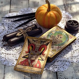 Beginner Friendly: How To Do A Yes Or No Tarot Reading For Quick Answers