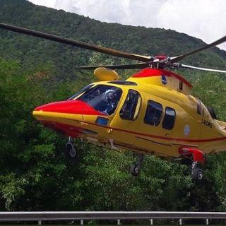 Schianto auto-moto all'ingresso di Asiago: gravemente feriti centauro e passeggera