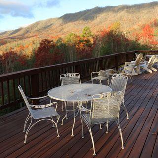 Iron Mountain Bed and Breakfast - Vikki Woods on Big Blend Radio