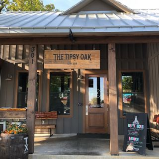 Ep. 2-The Tipsy Oak: Where Craft Food Meets Craft Beer