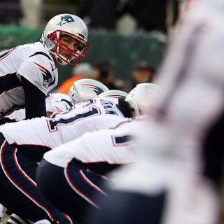 Patriots QB Tom Brady Hopes He's Turned Corner With Knee Injury