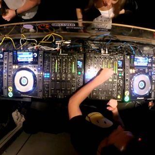 LIVE STUDIOS MANIA DANCE BY ALEX C. DJ .  n. 8 - 2019 .