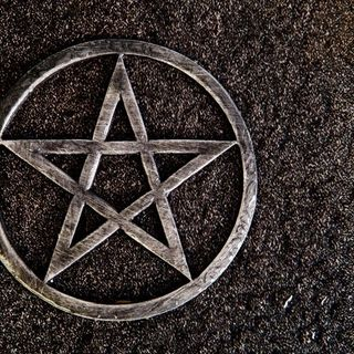 Elemente de Paganism in religia crestina cu Rev. Olteanu Cosmin