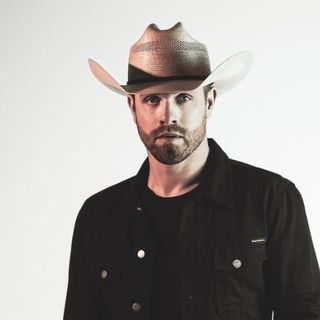 Dustin Lynch talks with Steve & Gina about his new album
