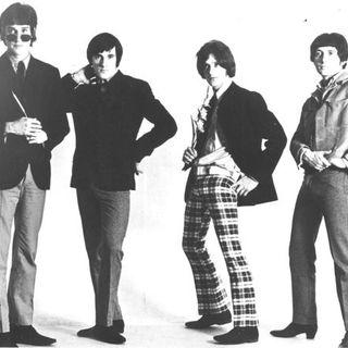 ESPECIAL THE KINKS IN CONCERT 1974 #TheKinks #InConcert1974 #classicrock #poprock #r2d2 #yoda #mulan #twd #onward #westworld #blackwidow #it
