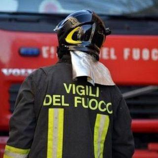 Lecce, esplode fabbrica fuochi d'artificio: muore il figlio 19enne del titolare