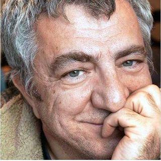 Faruk Eskioğlu - Gazeteci & Açık Gazete'nin kurucusu 🗞🔍