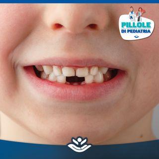 Eruzione dentaria: dai denti da latte ai denti permanenti