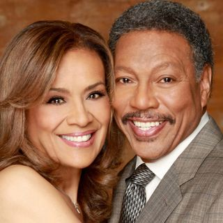 "The legendary Billy Davis Jr. and Marilyn McCoo celebrate Christmas with ""Coming 2 Gether""!"