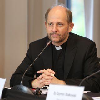 Rzecznik Episkopatu: Nie sądzę, by biskupi zajęli się rozmową o. Szustaka z abp Gądeckim