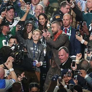Scituate Teen Takes Selfie With Justin Timberlake During Super Bowl