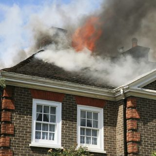 Fire At Hillary's House... Was She Stuffing Evidence In The Fireplace?