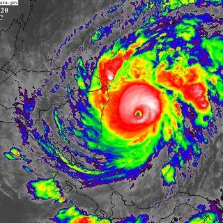 Huracán Iota alcanza categoría 5
