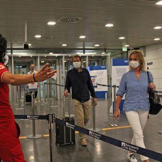 Test su chi rientra dai Paesi a rischio, è caos