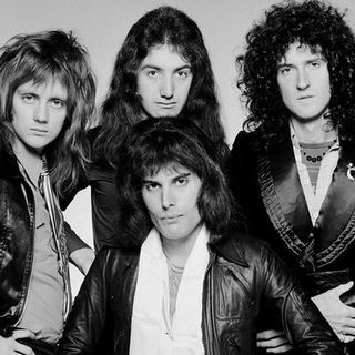 Classicos do Rock o Podcast #1338 #queen #semanaQueen #GnFnR #avengers #whatif #stayhome #wearamask #washyorhands