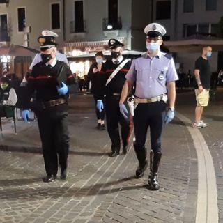 """Polizia locale e carabinieri insieme nelle piazze durante i week end. Vigilano sulla """"movida"""""""