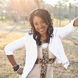 #11-Blogging For Purpose and Business with Courtnaye Richard