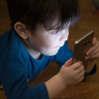 Bambini e cellulare: appuntamento formativo on line per i genitori e gli educatori
