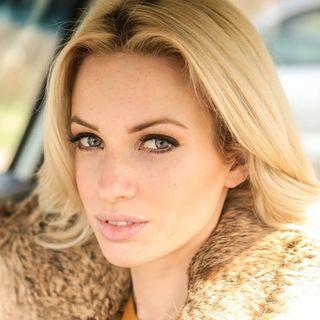 Actress/Dancer/Singer Adele Pomerenke shares her journey on #ConversationsLIVE ~ @adelepomerenke @studiomatrix #actorslife #dancer