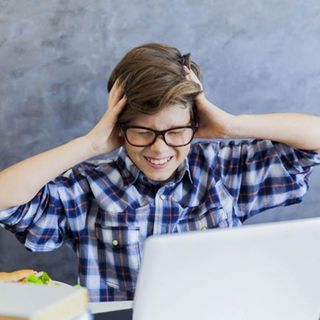 No sé qué hacer, mi hijo no quiere tomar clases virtuales