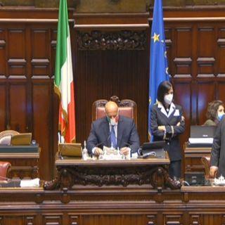 Decreto legge Covid all'esame alla Camera. Tensioni nel governo dopo il voto della Lega