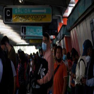 Aglomeraciones y largas filas se registraron esta mañana en las líneas 5, 6 y 7 del Metro