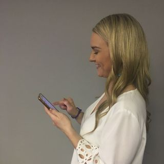 Cracking the Man Code-How To Tell He Likes You Through His Texts