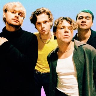 5 Seconds of Summer - Lonely Heart (Instrumental + Backing Vocals)