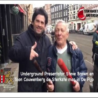 Steve Brown met Toon Couwenberg de Sterkste man uit de oude Volksbuurt De Pijp.