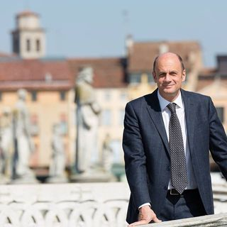 Arturo Lorenzoni, l'anti-Zaia, positivo al Coronavirus: la campagna continua da remoto