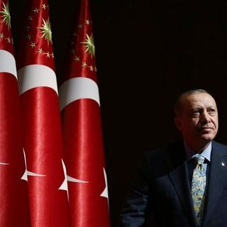 Türkiye Marşını Okuyor - İstiklal Marşı