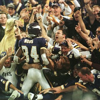 Purple People Eaters: Minnesota Vikings 1998 Rewind! Moss's Monday Night Mayhem & Thanksgiving Devour in Dallas!