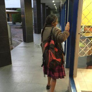 Vendedora de bolsitas, 65 años.
