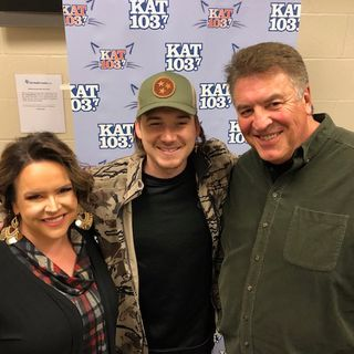 Steve & Gina Backstage with Morgan Wallen 2-7-20