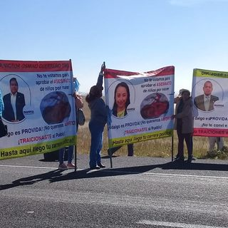 Grupos antiaborto bloquean carretera México-Pachuca