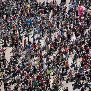 Tutto Qui - Lunedì 03 Luglio - Portale Giovani e Bike Pride