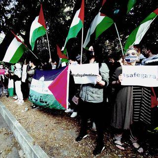 Sit-in palestinese sotto la RAI