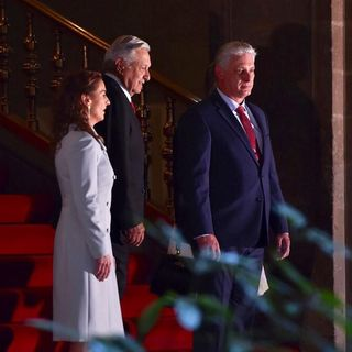 AMLO recibe en Palacio Nacional a presidente de Cuba