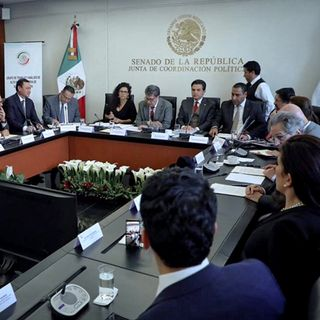 Busca Senado acuerdo para regulación del outsourcing