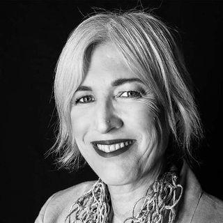Michaela K. Bellisario: «Felici a 50 anni? Si può!»