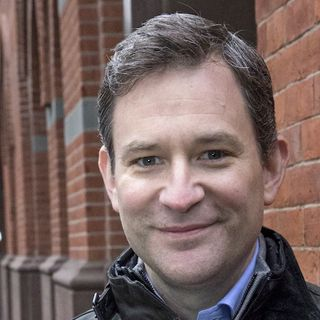 ABC News Anchor and Author Dan Harris stops by #ConversationsLIVE