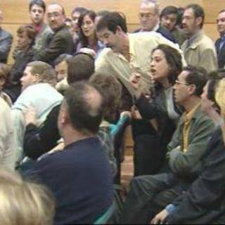 Pleno asesinato Juan Priede 21.03.02