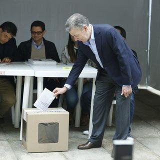 """""""Si salen a votar, todos ganamos, Colombia gana"""" Juan Manuel Santos"""