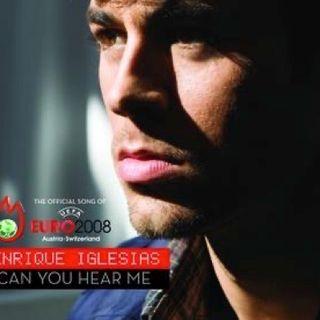 """Enrique Iglesias: dai primi anni 2000 star mondiale del Latin Pop, la sua """"Can you hear me"""" fu l'inno del campionato di calcio Euro 2008."""
