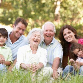 La Mesa de los Idiotas #022 La Familia